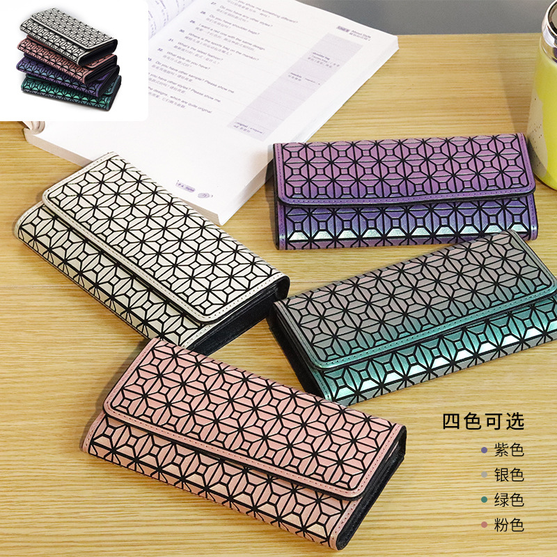 Geometric Long Wallet for Everyday Use