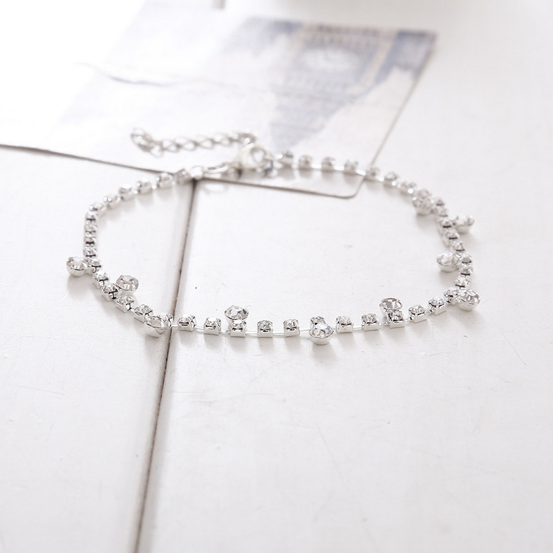 Appealing Faux Diamond and Rhinestone Anklet for Fashionable Ensembles