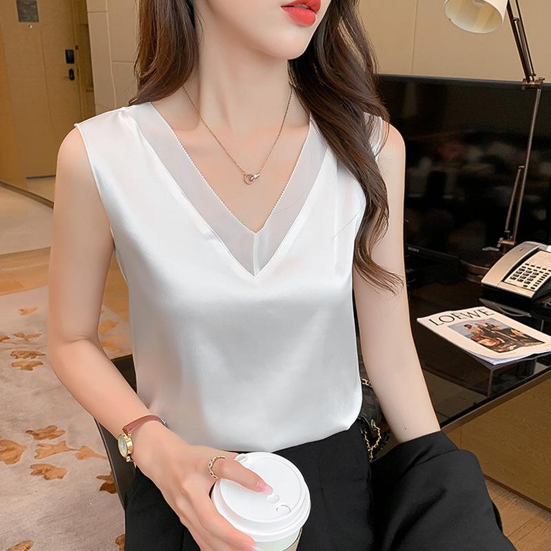 Shiny V-Neck Sleeveless for Simple Top Wear