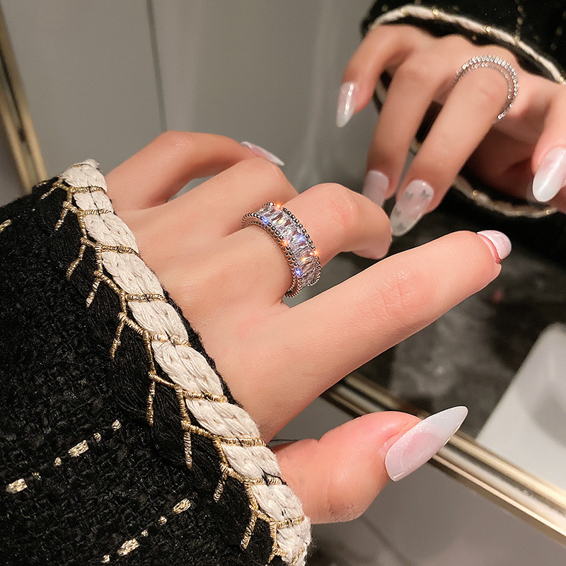 Simple and Luxury Rhinestone Ring for Women's Index Finger Rings