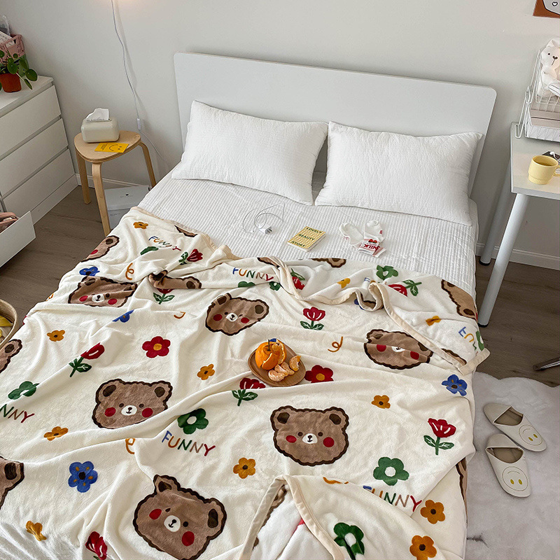 Adorable Design Blanket for Air-Conditioned Bedrooms
