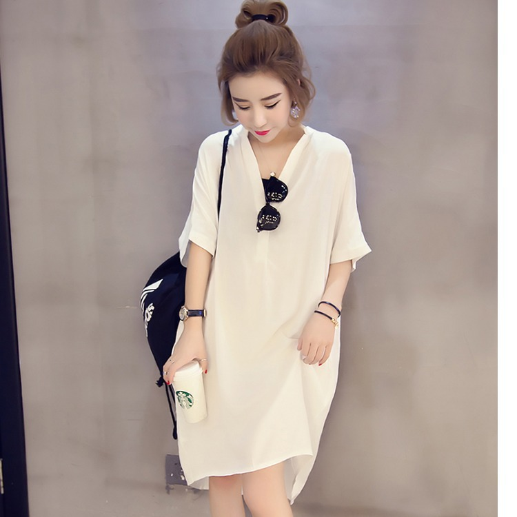 Trendy V-Neck Dress for Going to Movie Dates