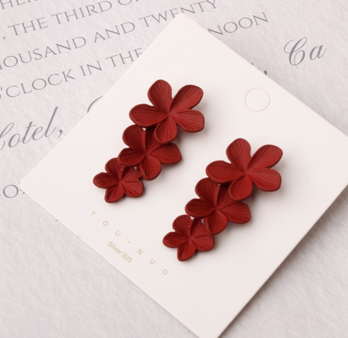 Artistic Flower Earrings for Modern Chic Looks