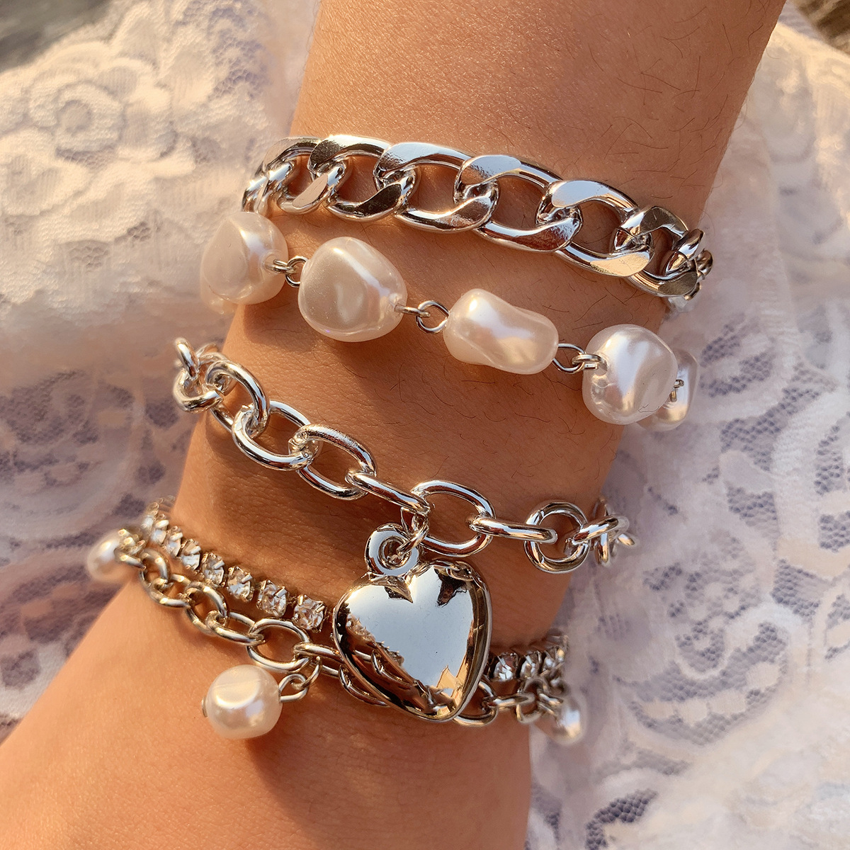 Chic Metal Bracelet Set with Faux Pearls and Heart Pendant for Summer Vacation Outfits