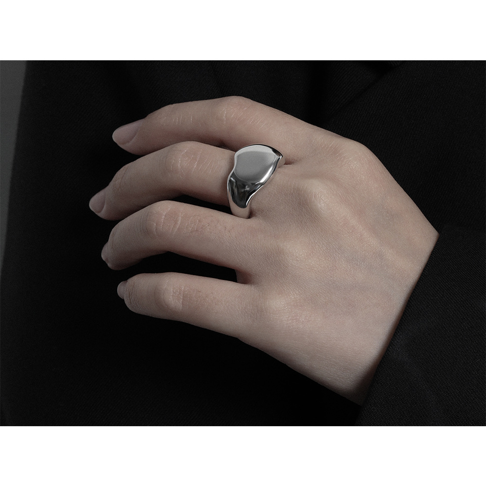 Elegant Gold-Plated and Silver-Plated Copper Ring for Wedding Proposals