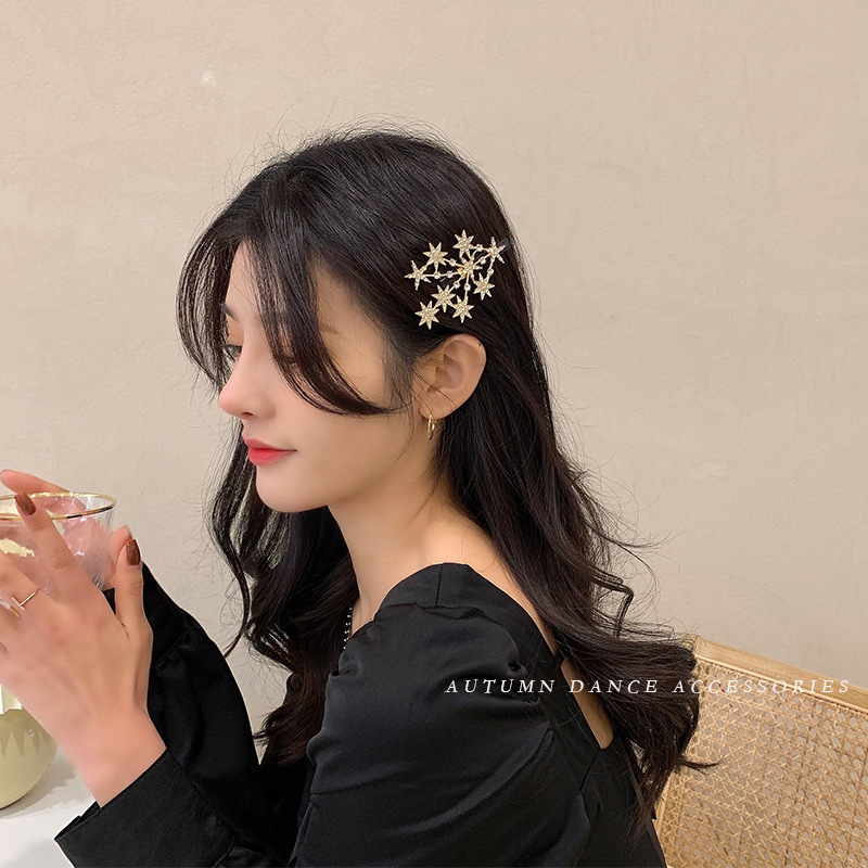 Dainty Starry Hairpin for Accentuating Preppy Outfit