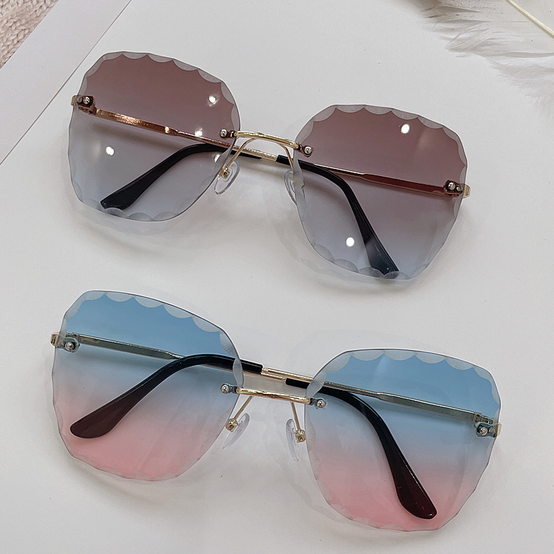 Edgy Color Gradient Lens Sunglasses for Summer Vacation