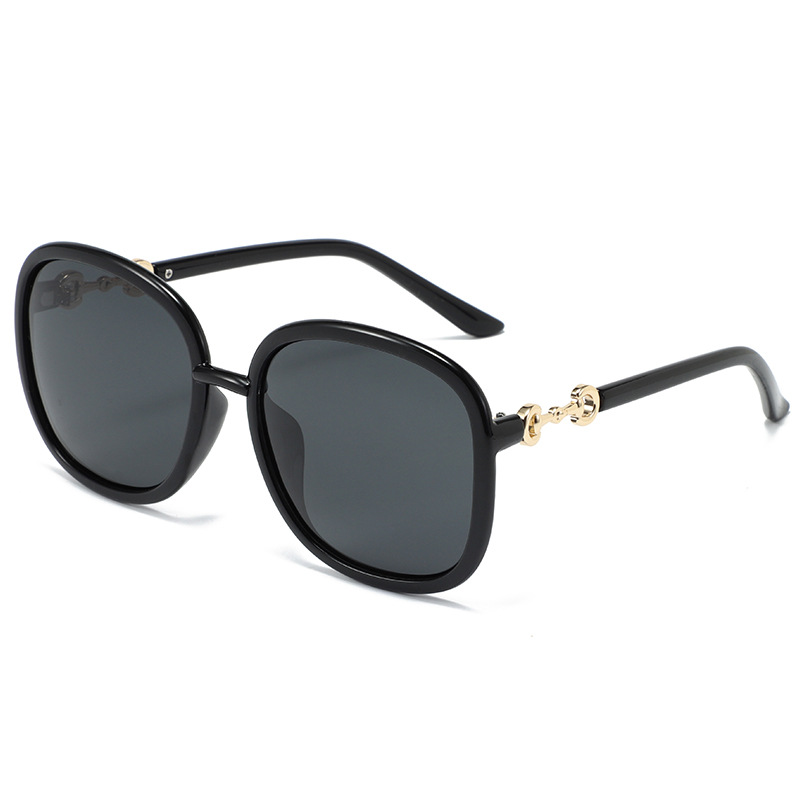 Iconic Gold Detail Thermoplastic Sunglasses for Beach Tunning