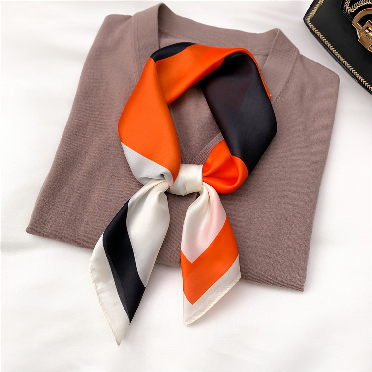 Fancy Silk Scarf for an Exquisite Look