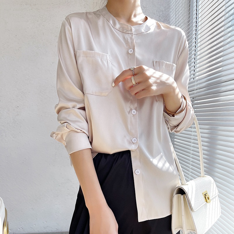 Long Sleeved Polyester Collarless Button Up Shirt for Professional Women