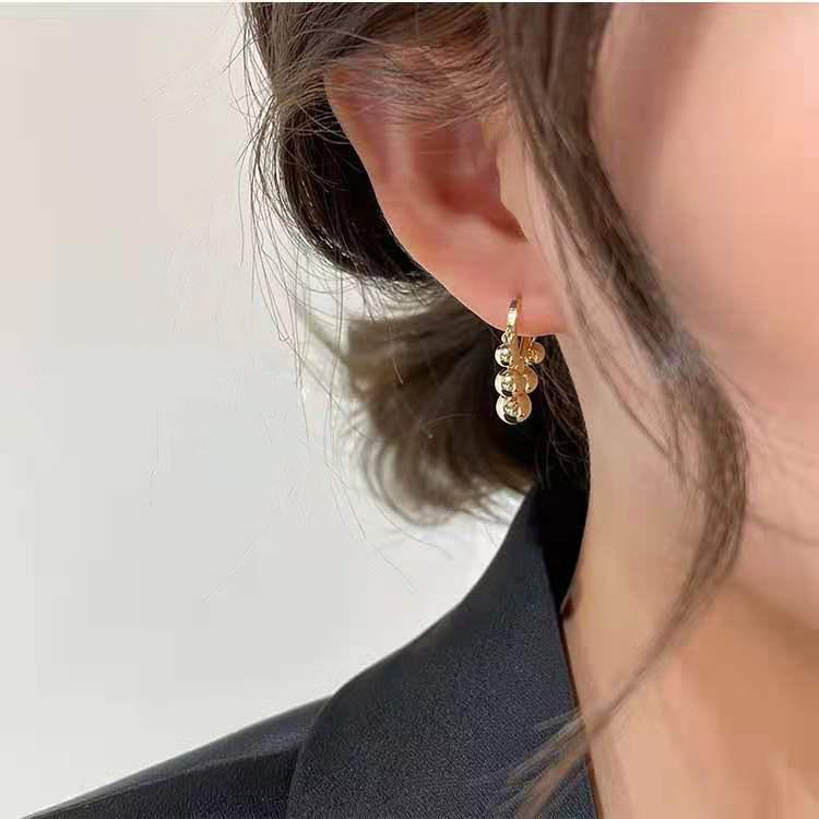 Dainty Metal Earrings for Posh Romantic Dinner