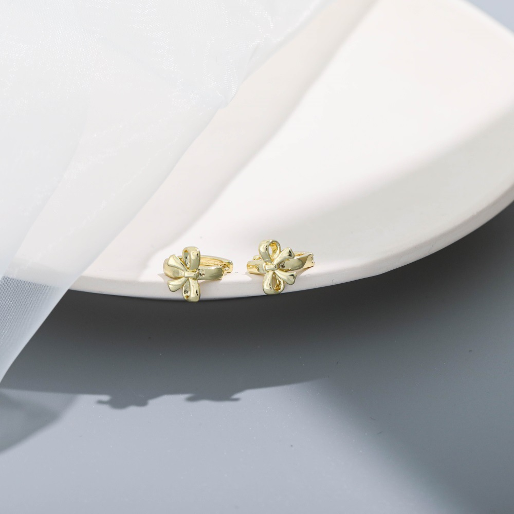 Simple Ribbon Buckle-Style Earrings for Everyday Wear