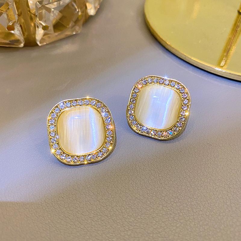 Elegant Gold-Silver Needle Alloy Earrings for Fancy Dates
