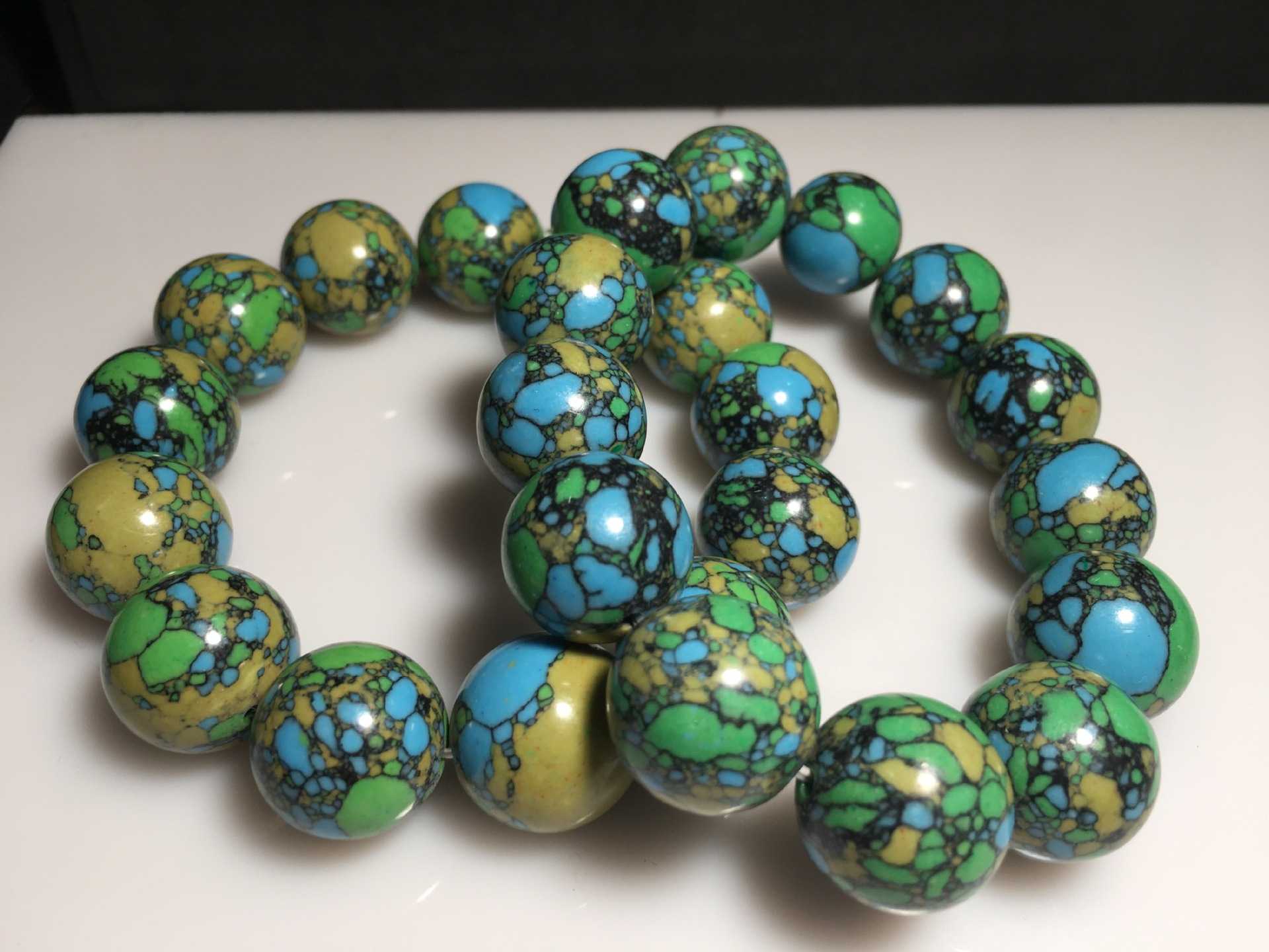Cool Turquoise-Like Bead Bracelet for Cozy Dates