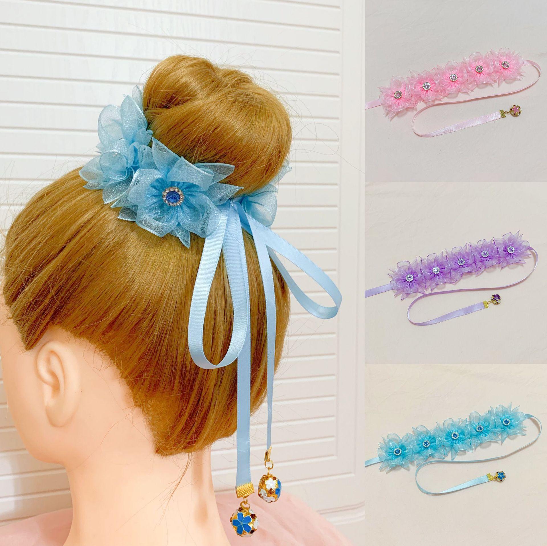 Lovely Flower Hair Tie for Garden-Themed Occasions