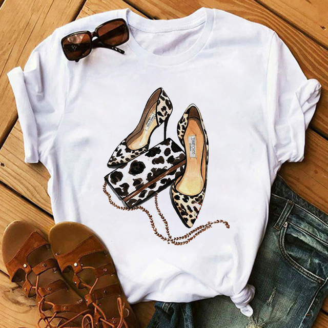 Classic and Stylish Stiletto Graphic Tee for Office Fashionistas