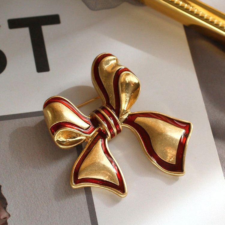 Elegant Red and Gold Ribbon Brooch for Coats