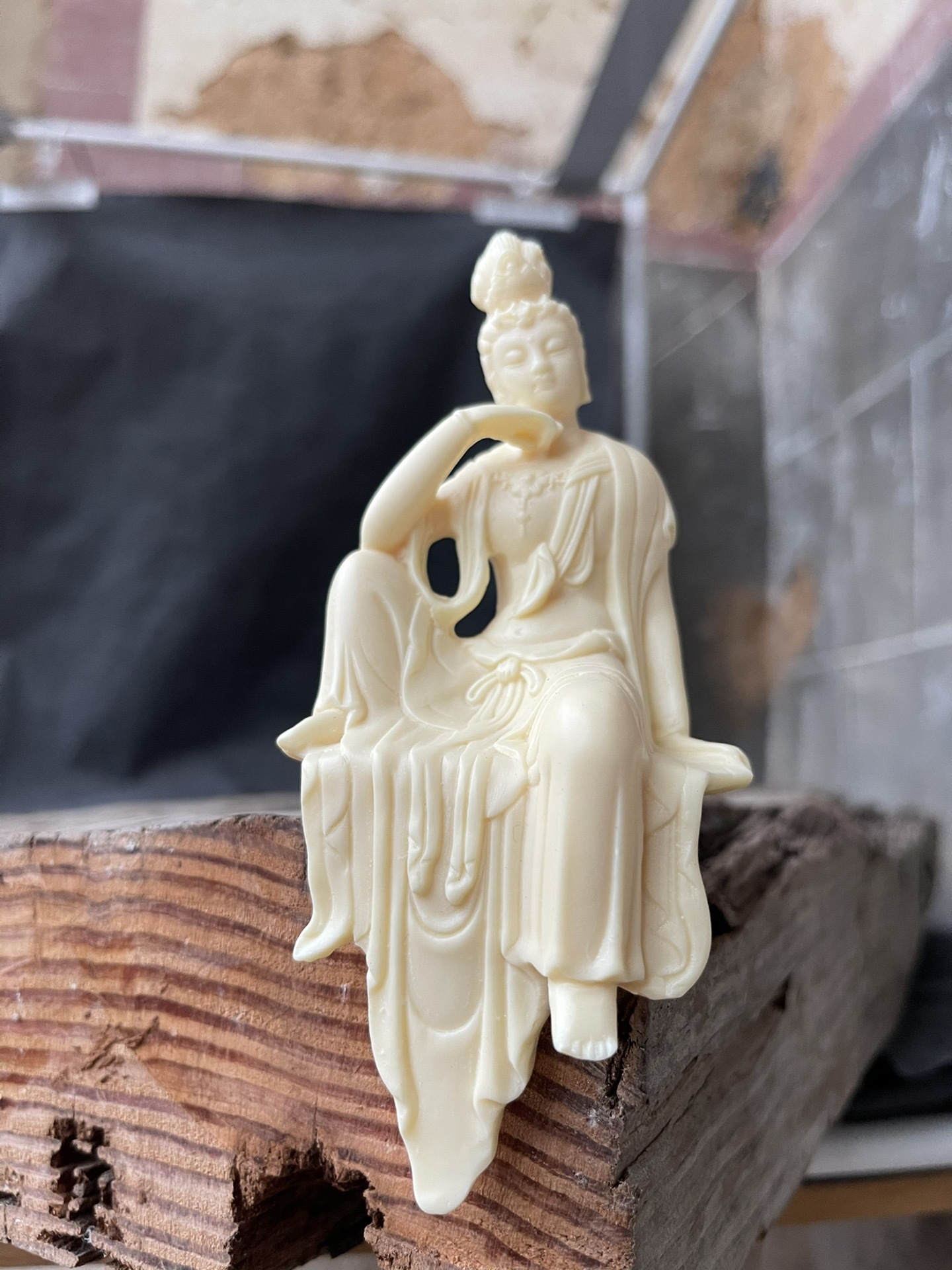 Creative Small Carved Buddha Statue for Lucky Home Ornaments