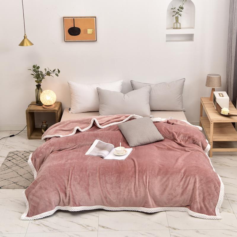 Plushy Polyester Blankets for Luxurious Sleep